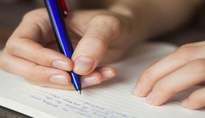 menulis tangan