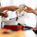 5 Cara Menghasilkan Uang Tambahan bagi Ibu Muda